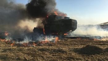 Arde una máquina cosechadora en Cuéllar