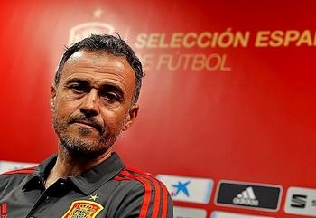 El técnico asturiano se mostró ambicioso de cara a la Eurocopa.