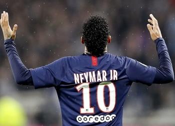 El futuro del brasileño Neymar puede ser una de las grandes incógnitas del próximo mercado de fichajes.