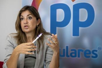 El PP denuncia el abuso en el pago de facturas sin contrato