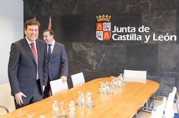 Carlos Fernández Carriedo, consejero de Economía y Hacienda de la Junta, en una reunión celebrada en la Delegación Territorial de Salamanca.
