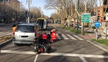 Un motorista herido al chocar contra un coche en Zorrilla
