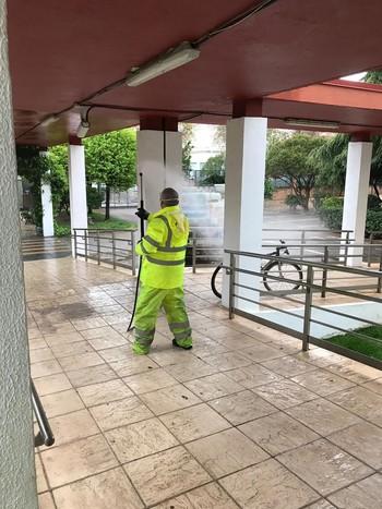 Cespa desinfecta espacios públicos especialmente sensibles