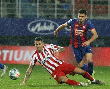 El Eibar hurga en la herida del Atlético