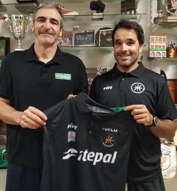 Ginés Sáez (izquierda en la imagen) y Enrique Moya, nuevo segundo entrenador del cuadro rodense.