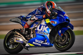 Rins y Mir lideran los primeros test de MotoGP