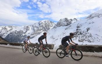 El Giro acorta la etapa 19ª ante la petición de los ciclistas