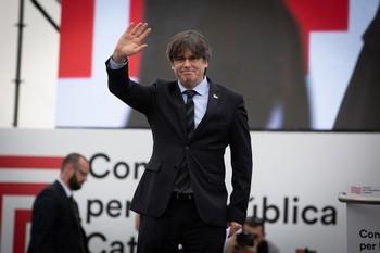 Varios detenidos por desviar fondos para Puigdemont en Waterloo