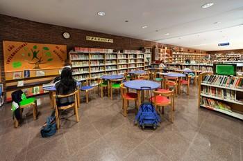 Exposiciones o cuenta cuentos por el Día de las Bibliotecas