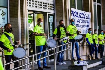 La Policía Local mantiene el conflicto laboral