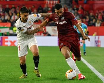 Al Sevilla le salva el VAR