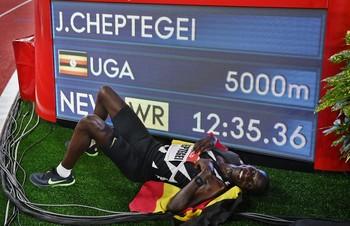 Cheptegei bate el récord del mundo de 5.000 en Mónaco