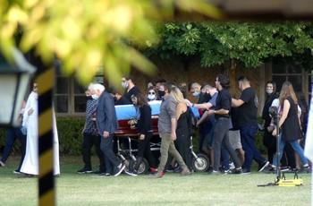 Maradona descansa en paz tras una multitudinaria despedida