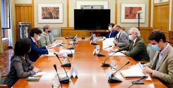 Foto de la reunión mantenida por el ministro de Sanidad, Salvador Illa, y el Gobierno de la Comunidad de Madrid