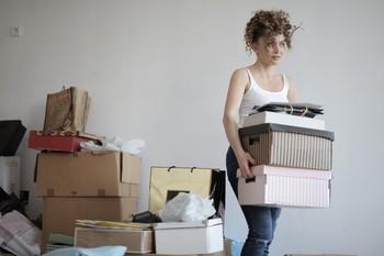 Un joven destina cerca del 90 por ciento de su sueldo para el alquiler.
