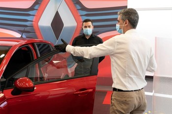 Las ventas de coches caen otro 73% en mayo