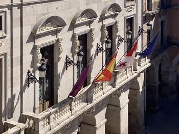 El PP piden «un gesto» al Consistorio que exprese el luto