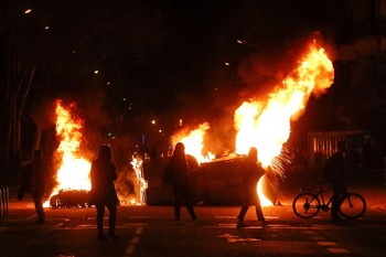 La inhabilitación de Torra conlleva disturbios en Barcelona