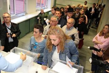 Participantes en la votación de las primarias del Partido Popular de Castilla y León en marzo de 2017.