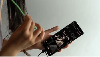 Google crea unos auriculares que se controlan con el cable