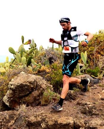 Luis Alberto Hernando, en pleno descenso en el transcurso de una de sus competiciones.