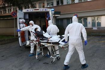 Italia supera el centenar los contagiados por coronavirus