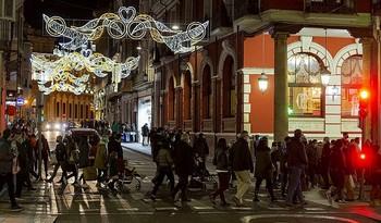 Unos 450 motivos conforman la iluminación navideña