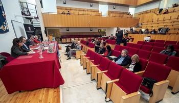 El rector anunció la presentación de la denuncia el 20 de diciembre de 2019, durante un Claustro de la Universidad.