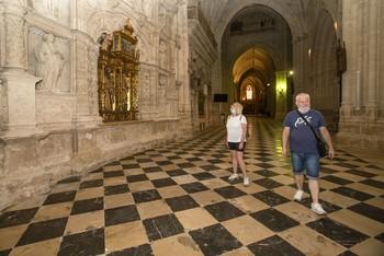 La catedral ya recibe visitas y las piscinas abren el lunes