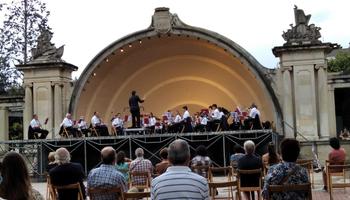 Primer concierto interpretado por la Banda de Música municipal en 'Bajo el cielo de Logroño'