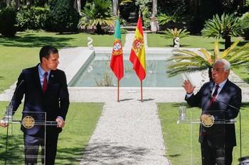 Sánchez y Costa exigen un pacto que no baje de 750.000 millo