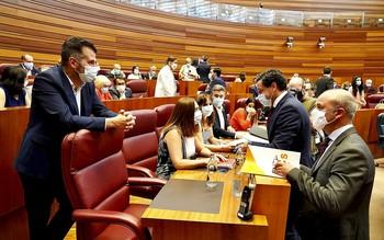 PP y Cs reciben el apoyo del PSOE al 80% de sus propuestas