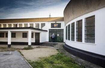 Una treintena de compañías profesionales y aficionadas comparten las instalaciones de La Parrala.