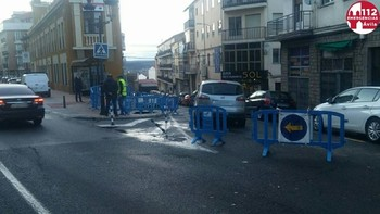 Derrumbe de una tajea junto a la avenida de Madrid