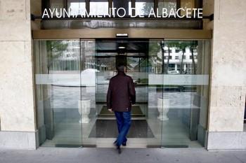 Los sindicatos amenazan con dejar la Mesa de Negociación