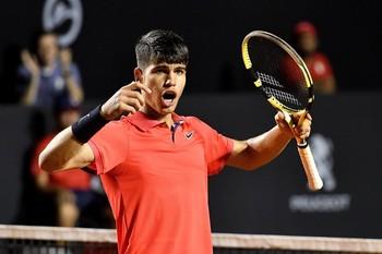 Alcaraz logra su primera victoria ATP con 16 años