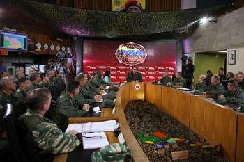 Maduro anuncia nuevas maniobras militares para