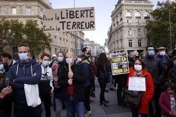 Francia activa operaciones contra extremistas islamistas