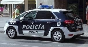 Detenido un hombre al pillarle violando ebrio a un poni en Murcia