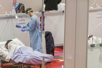 Los médicoscon síntomas leves volverán al trabajo en 7 días