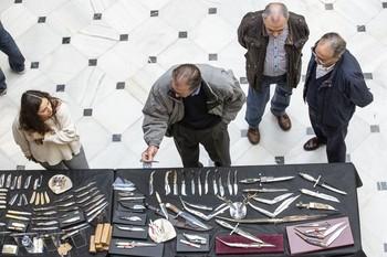 Imagen de archivo de un salón cuchillero en el centro de la Asunción.