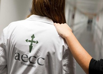 40 voluntarios acompañan en Burgos a pacientes con cáncer