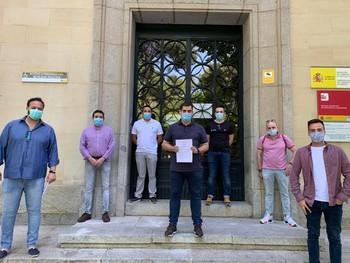 Los hosteleros acercan sus peticiones a la Subdelegación