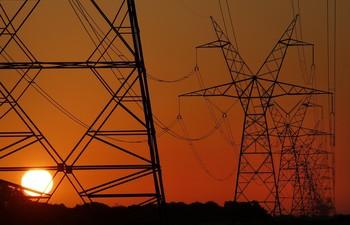 La demanda eléctrica en España cae un 17,5% en abril