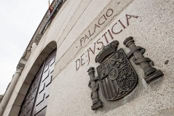 Ocho meses de cárcel y 33.000 euros por un fuego en Becedas