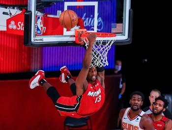 El pívot Bam Adebayo de los Heat de Miami