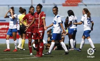 Jade Boho, en un partido con el EDF ante el Granadilla.