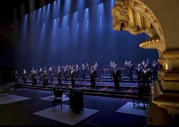 El Teatro Real vuelve a la vida