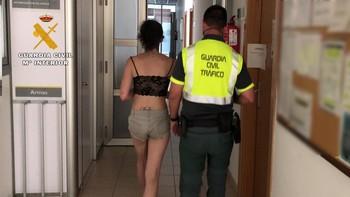 Detenida por conducir sin carné y dar positivo a 4 drogas