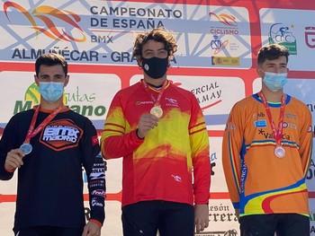 Alejandro Alcojor en lo más alto del podio.